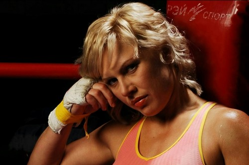 Top 10 Awesome Female Boxers