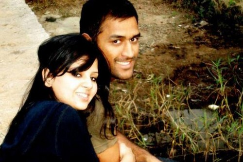 love story of dhoni sakshi